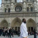 Sunyogi à Notre Dame de Paris